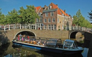 Canal Delft