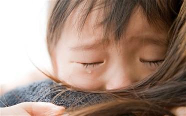 child-sad_2161224b