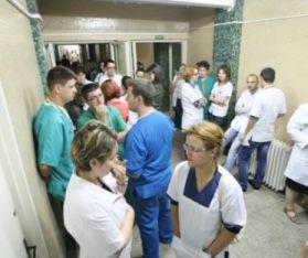 medici-amenintati-465x390