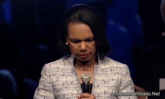 condoleezza-rice-orando