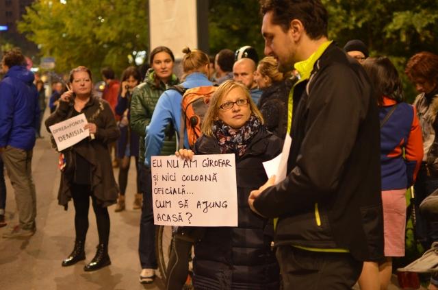 image-2015-10-26-20532698-0-protest-fata-guvernului-anti-oprea